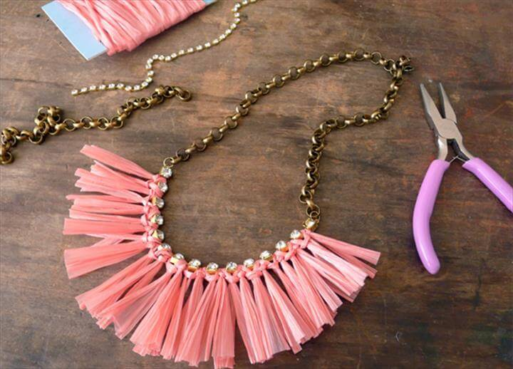 Amazing DIY Necklace Projects