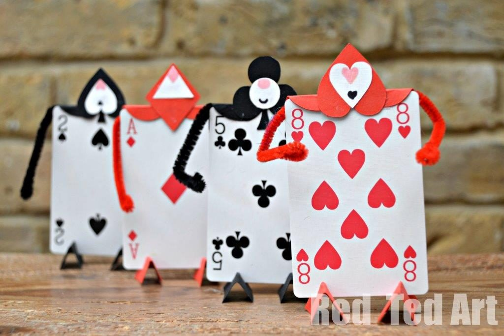 14 Awesome Crafts Made With Playing Cards
