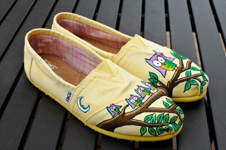 Amazing Hand-Painted Shoe Ideas