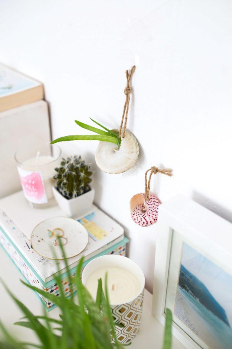 14 Awesome DIY Seashells Crafts
