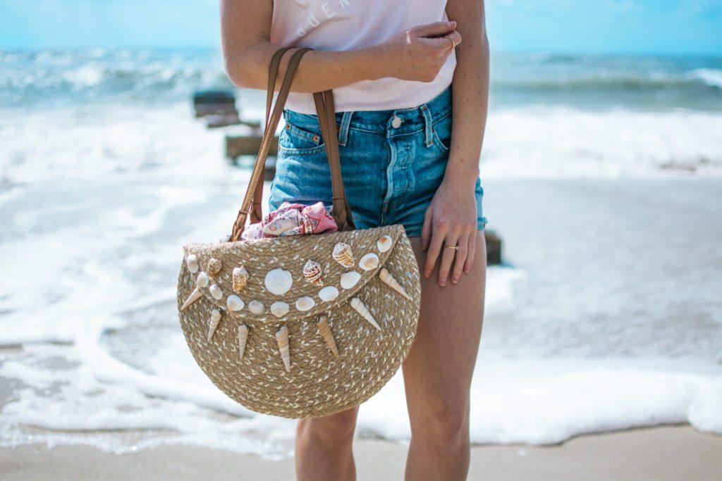 12 Summer DIY Seashells Crafts