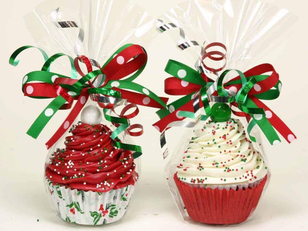 12 Delicious Christmas Cupcake Ideas