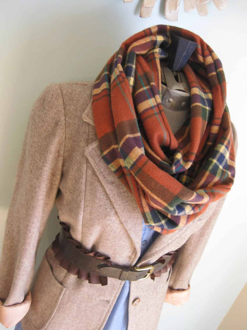 12 Cool DIY Scarves For Cold Winter