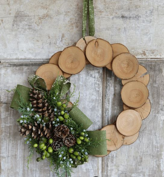 12 Amazing DIY Winter Door Wreaths