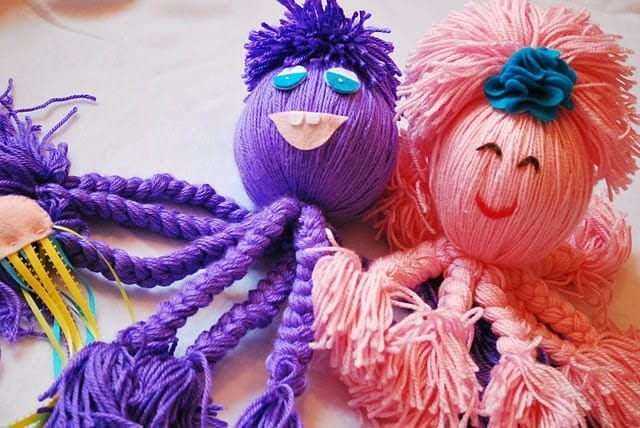 12 Amazing DIY Yarn Crafts Of All Kinds