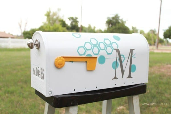 12 Cool DIY Mailboxes