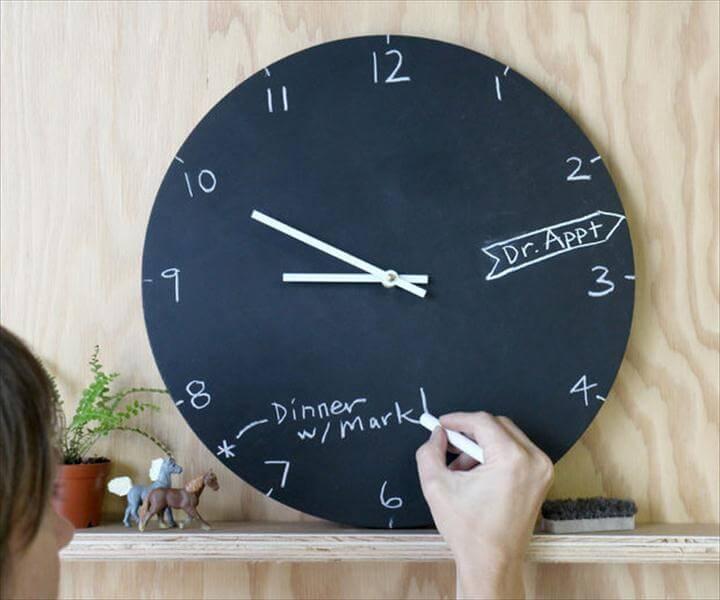 10 Awesome DIY Wall Clocks