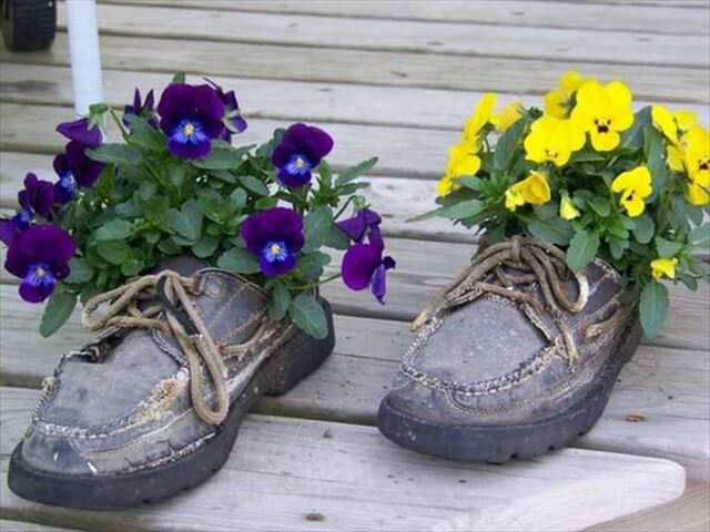 20+ Awesome DIY Shoes Planter Ideas