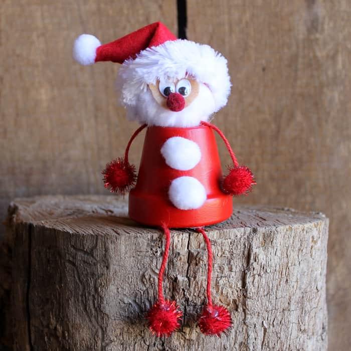 15 Cool DIY Santa Crafts