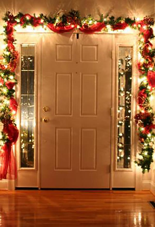 15 Christmas Entrance Decorating Ideas