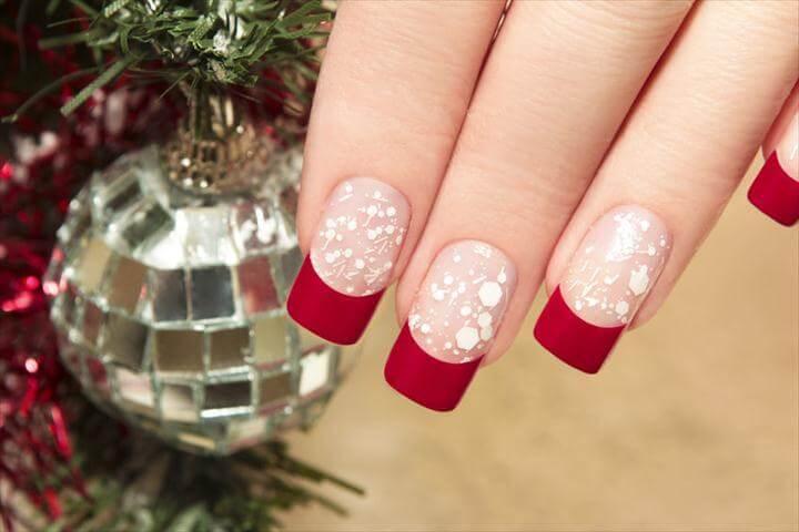 20+ Amazing DIY Holiday Nail Art Ideas