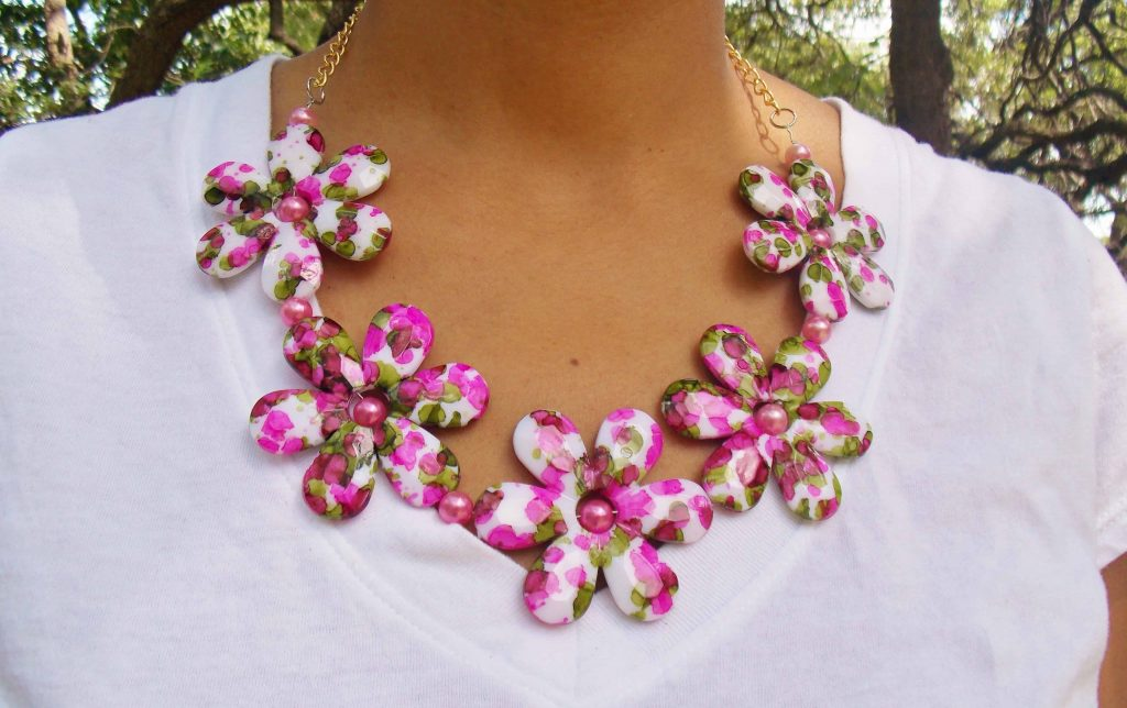 15 Cool DIY Floral Jewelry Ideas