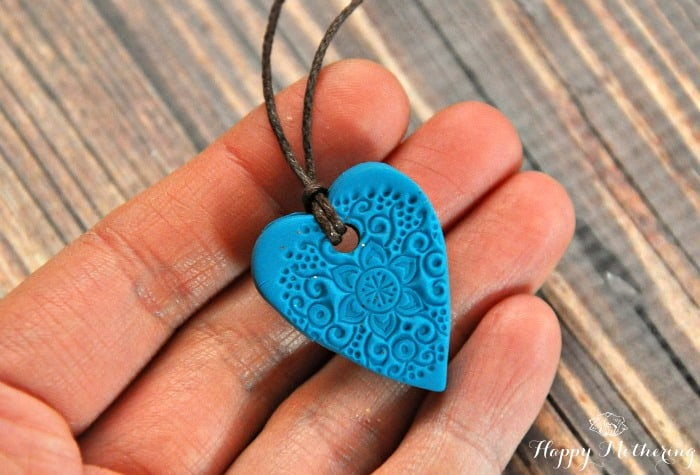 10 Awesome DIY Necklaces
