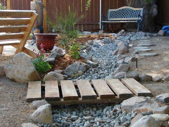 30 Amazing Dry Creek Landscaping Ideas